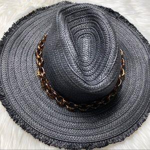 STEVE MADDEN- Panama Tortoise Chain Hat Black